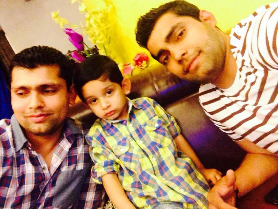 Kamran Akmal With His Son And Brother Umar Akmal