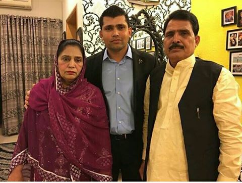 Kamran Akmal with his Parent