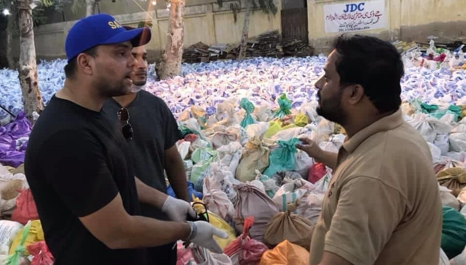 Khurram Manzoor Joins Rumman Raees At JDC Foundation To Help Needy People