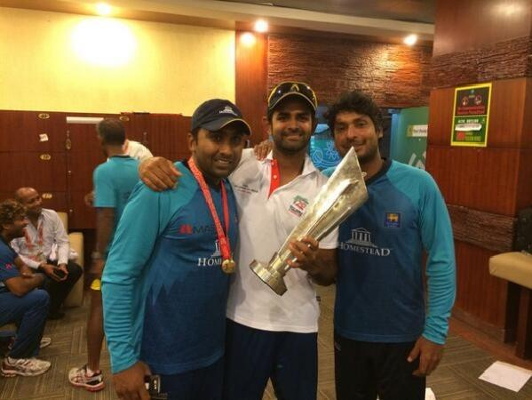Lahiru Thirimanne With Two Legends After World Cup T20