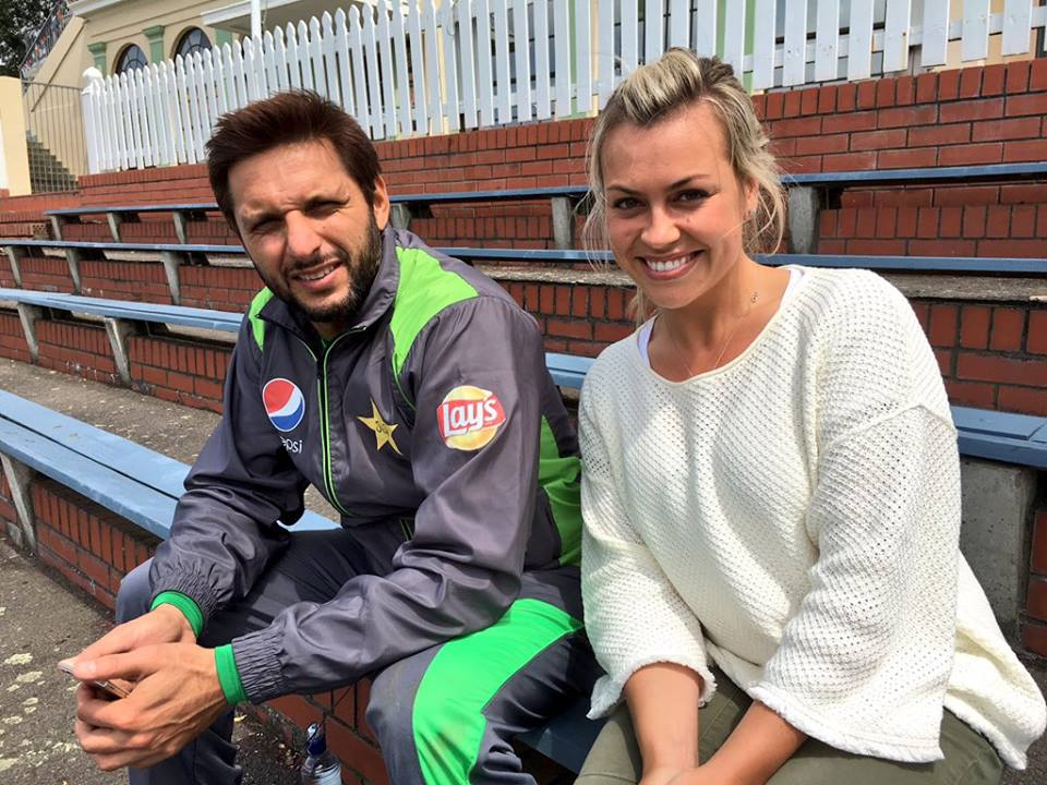 Laura McGoldrick (wife of Martin Guptill) is pictured with Shahid Afridi