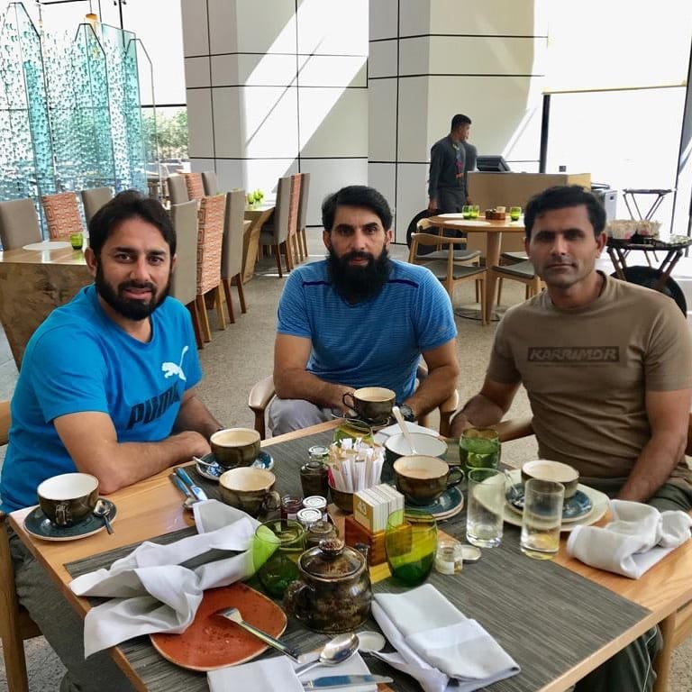 Legends Meet Up In Dubai On Breakfast