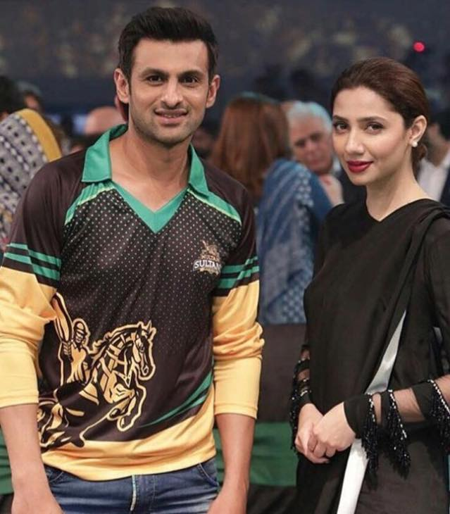 Mahira Khan Clicked With Shoaib Malik At PSL 3 Draft Event