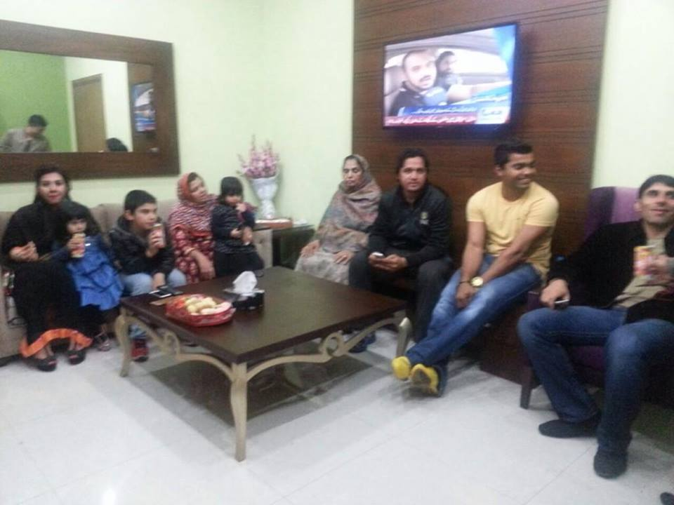 Misbah Ul Haq With Family Waiting To See Umar Akmal's Baby Girl