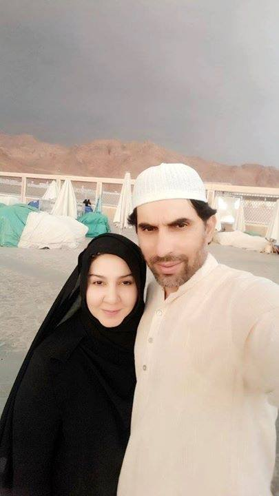 Misbah and his wife in madina