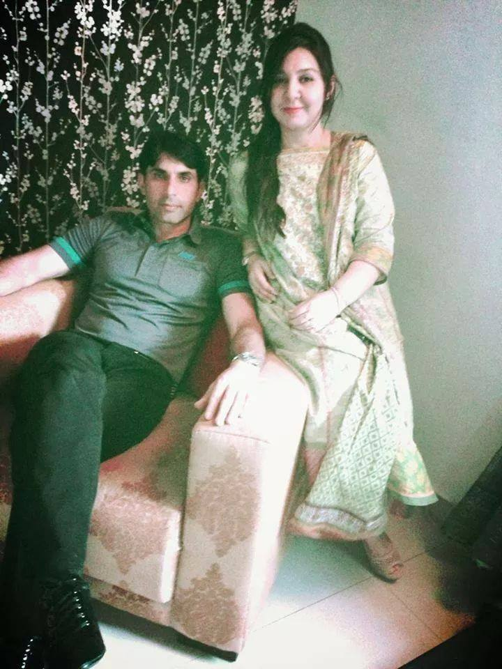 Misbah ul Haq With Wife Uzma