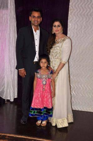 Mohammad Hafeez with His Family