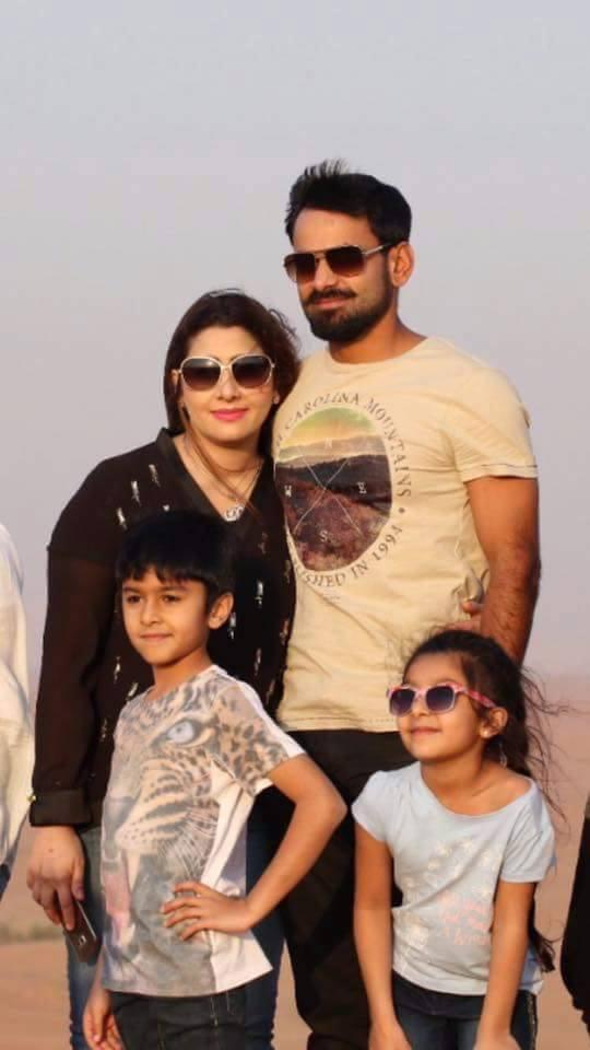 Mohammed Hafeez With Family At Dubai Desert Safari