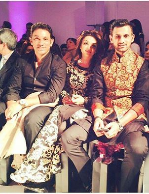 Mr And Mrs Azhar Mahmood With Shoaib Malik