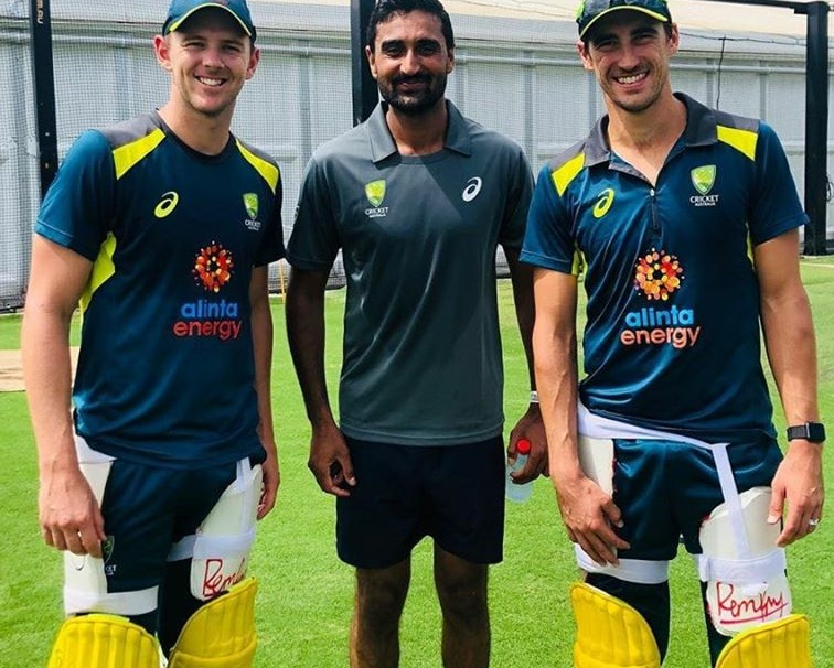 Muhammad Irfan Jr. Meets Mitchell Starc And Josh Hazelwood In Australia
