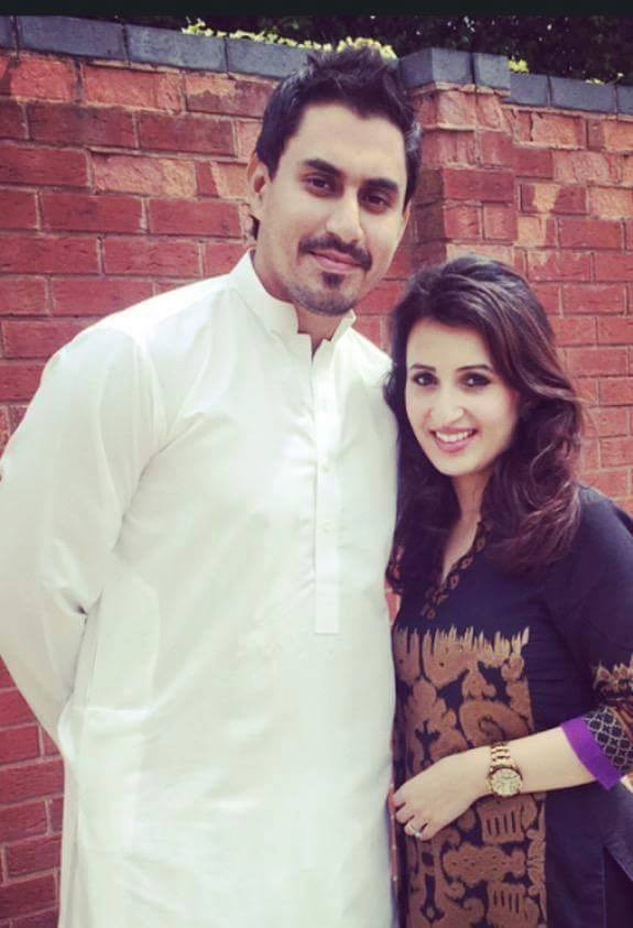 Nasir Jamshed With Wife On Eid