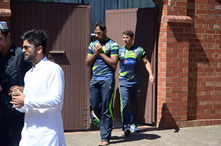 Pakistan Team Offer Jumma Prayer
