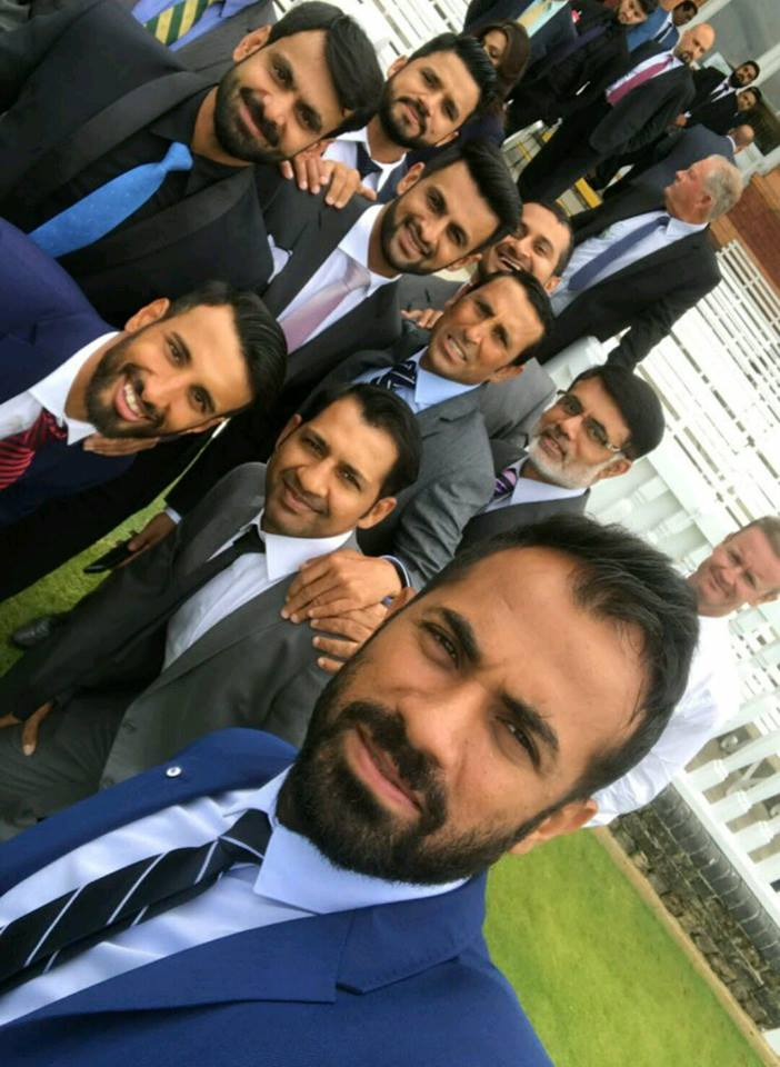 Pakistan Team Selfie In Younis Khan's Farewell Lunch At Lord's
