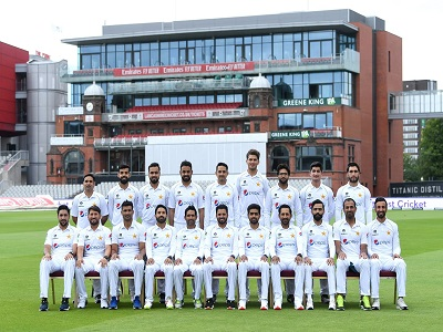 Pakistan Test Team Group Photo In England