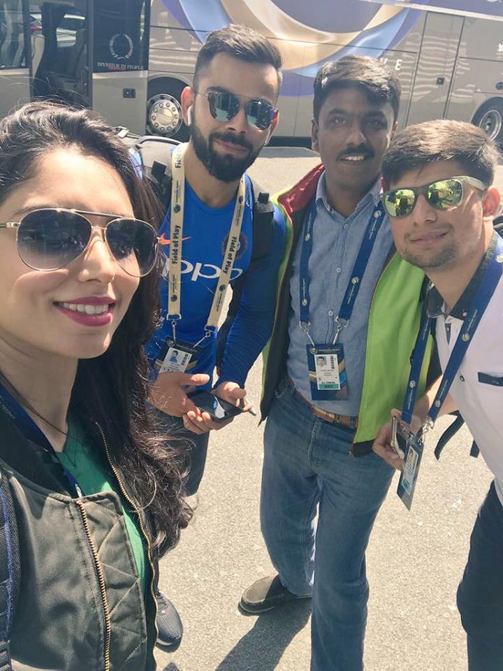 Pakistani Journalists With Virat Kohli