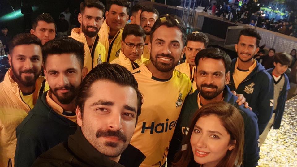 Peshawar Zalmi's Squad With Mahira Khan & Hamza Abbasi
