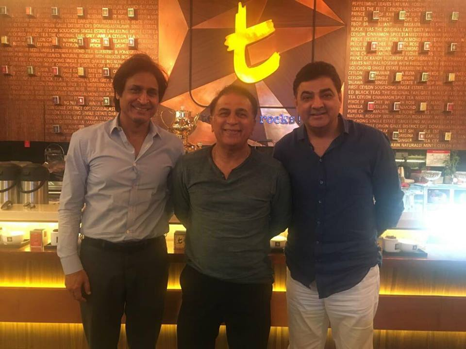 Cricket-Ramiz-Raja-With-Sunil-Gavaskar-A