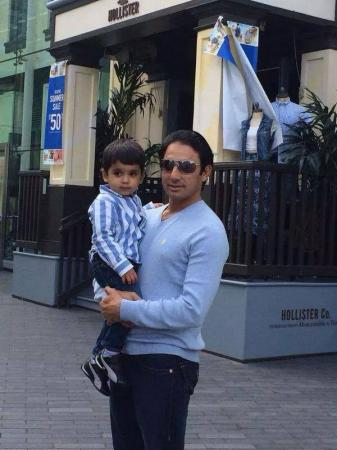 Saeed Ajmal With Son Hilal