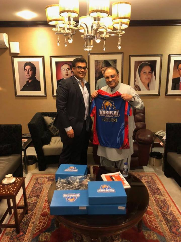Salman Iqbal Presents Karachi Kings Official Jersey To Asif Ali Zardari