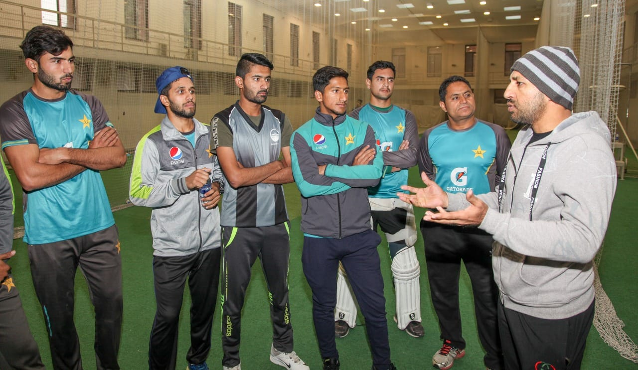 Sarfaraz Ahmed Meets Pakistan U-19 Players And Shared All His Valuable Experience With Them