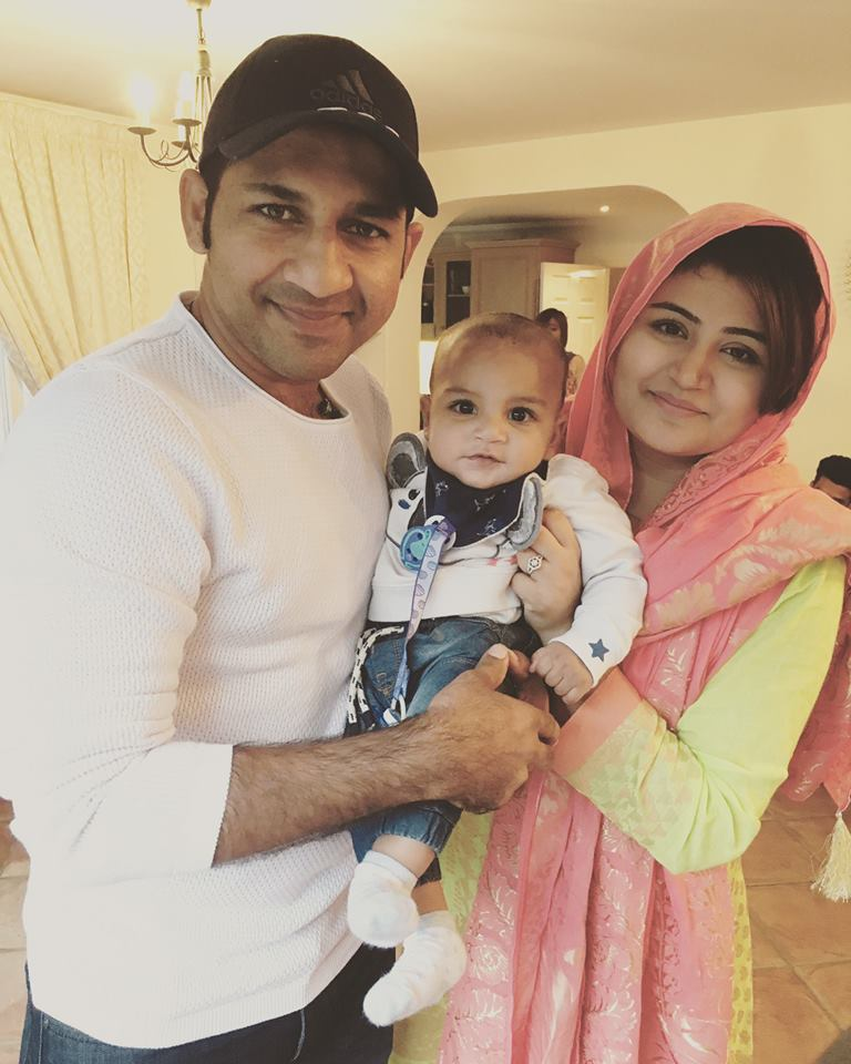 Sarfraz Ahmed With His Family Celebrating Independence Day