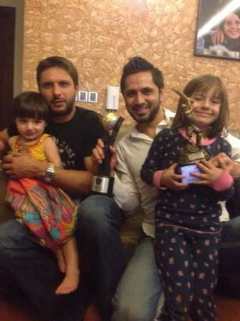 Shahid Afridi And Brother Shoaib Afridi