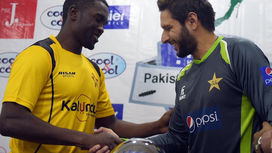 Shahid Afridi And Elton Chigumbura At T20 Trophy Unveiling Ceremony