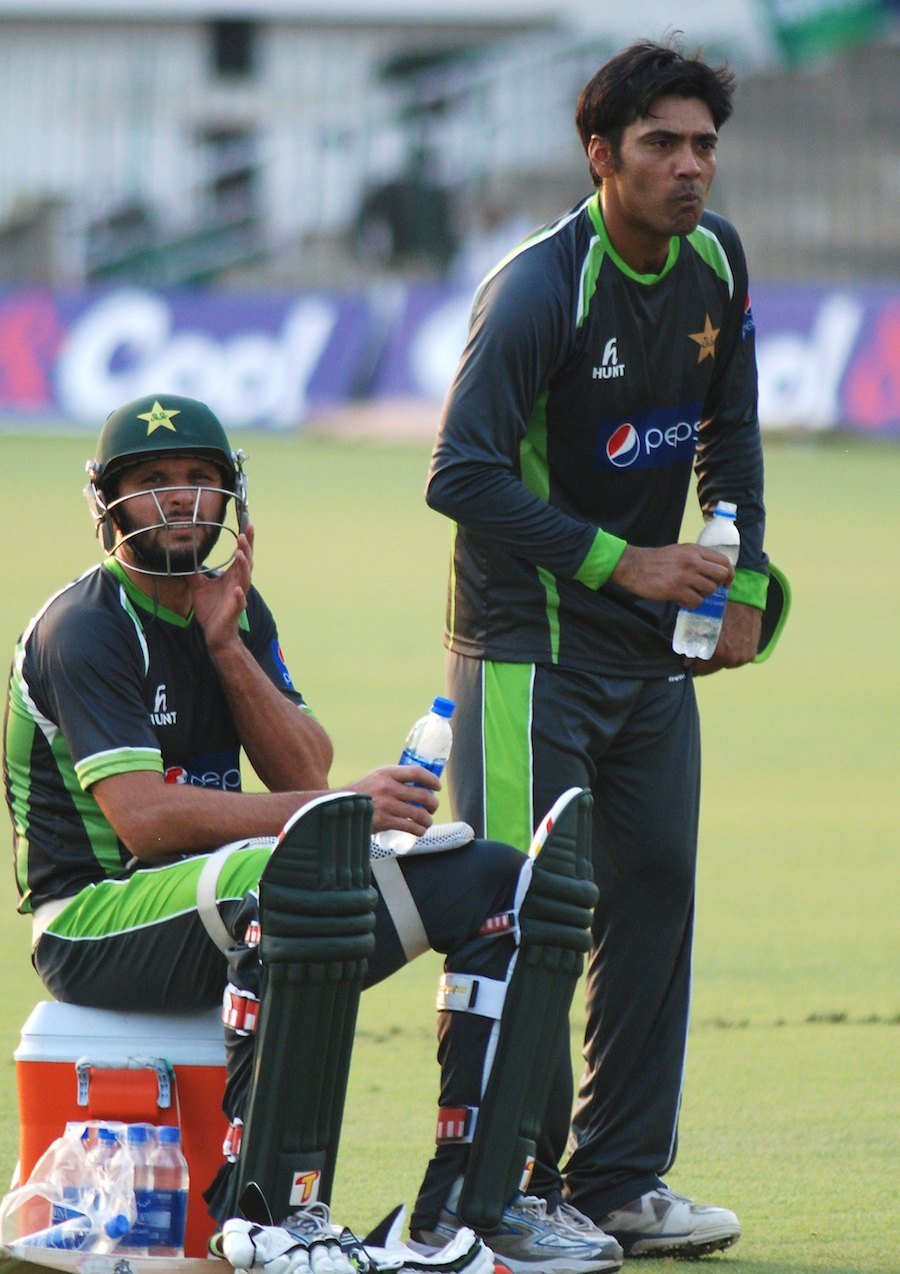 Shahid Afridi And Mohammad Sami At Net Session