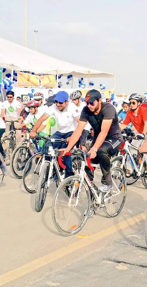 Shahid Afridi And Sarfraz Ride For A Cause On Seaview