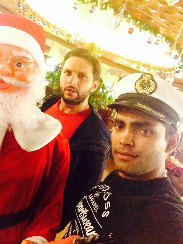 Shahid Afridi And Umar Akmal With Santa