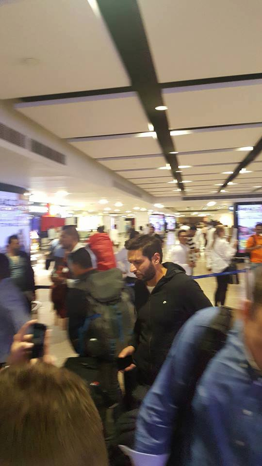 Shahid Afridi At Dubai Airport