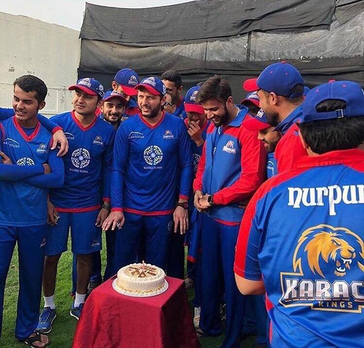 Shahid Afridi Celebrating His Birthday With Karachi Kings Team