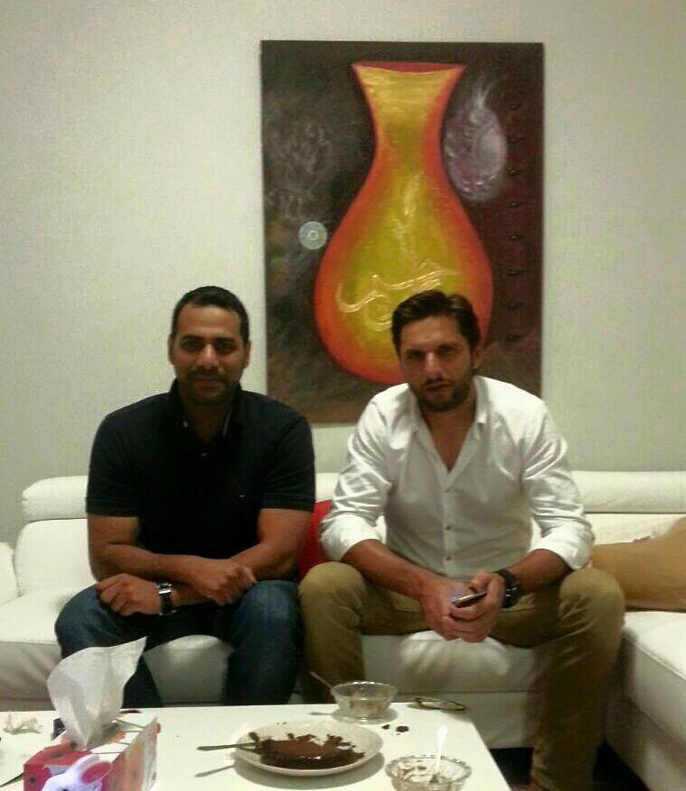 Shahid Afridi Had Dinner at his Friend's House in Sydney