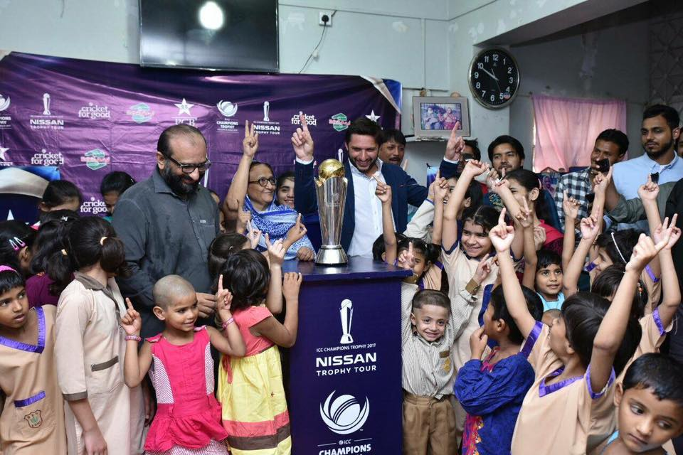 Shahid Afridi With Champions Trophy At Edhi Homes