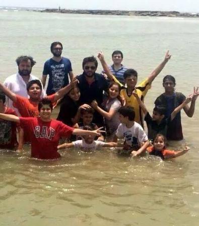 Shahid Afridi With Family Enjoying Summer