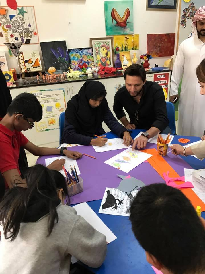Shahid Afridi With Special Children In Dubai