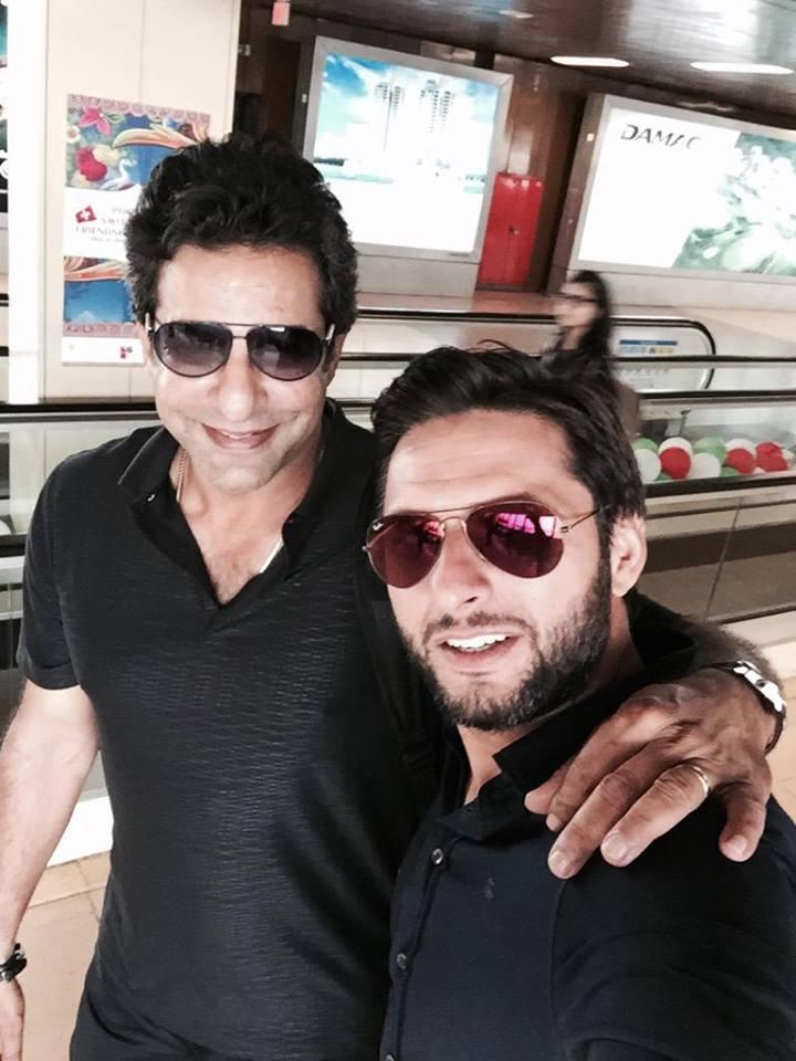 Shahid Afridi With Wasim Akram
