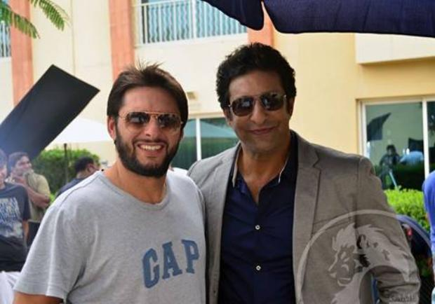 Shahid Afridi With Wasim Akram On Pepsi TVC‬