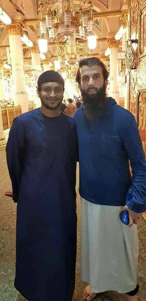 Shakib ul Hasan & Moeen Ali In Madina