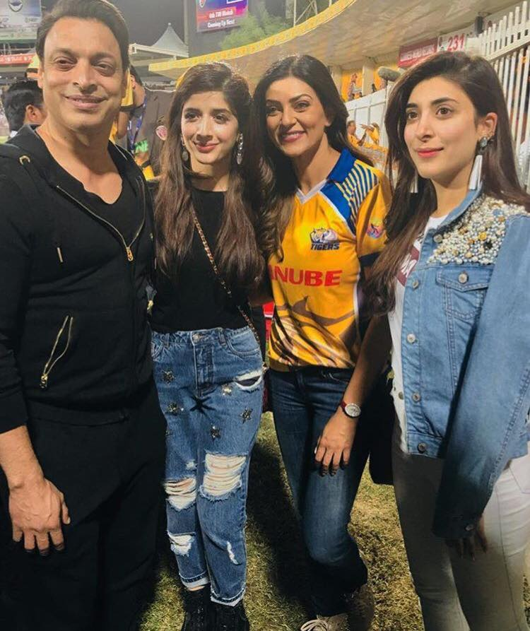 Shoaib Akhtar Along With Mawra, Urwa & Bollywood's Sushmita Sen At T10 Cricket League