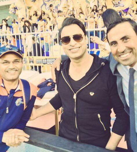 Shoaib Akhtar With Sehwag & Younis Khan In T10 Final