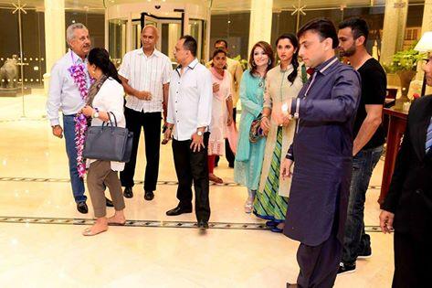 Shoaib Malik And Sania Mirza With Zaheer Abbas in Colombo