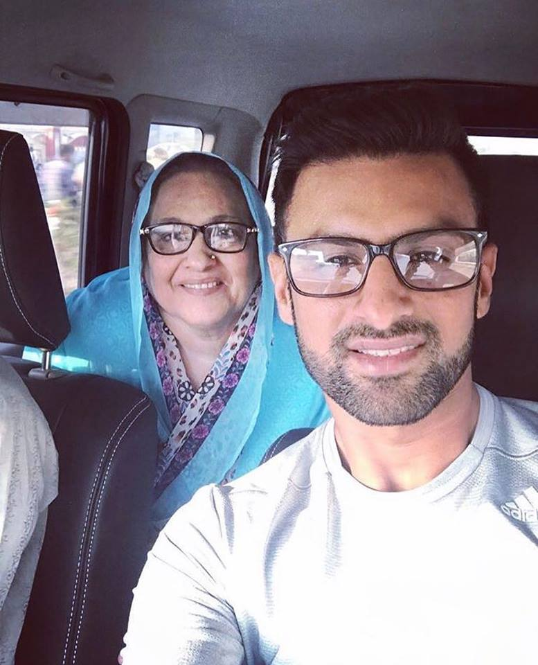 Shoaib Malik Clicks A Selfie With His Mother