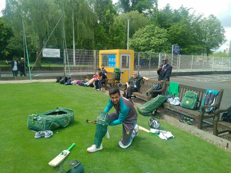 Shoaib Malik Doing Practice In England