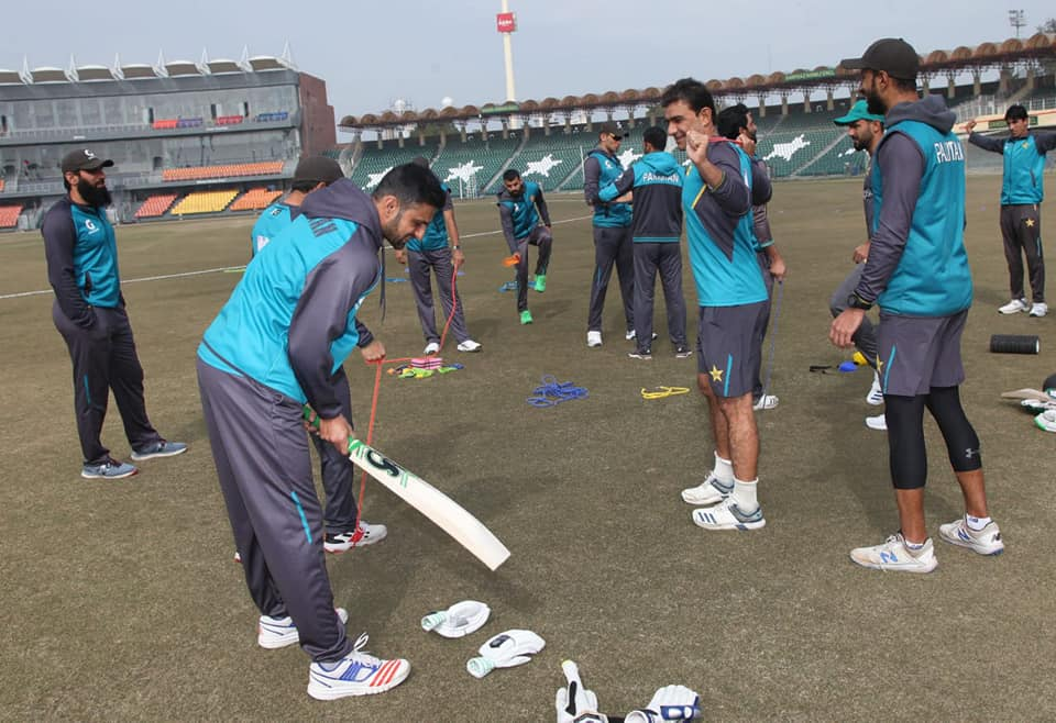 Shoaib Malik Joins Pakistan Team And Takes Part In Training Session