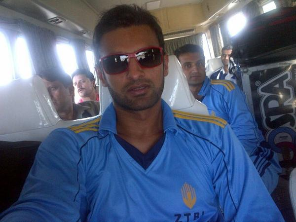 Shoaib Malik While Way To Peshawar