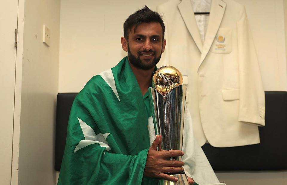 Shoaib Malik With Champions Trophy
