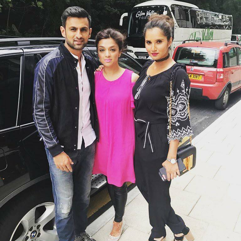 Shoaib Malik & Sania With Ebba Qureshi In London