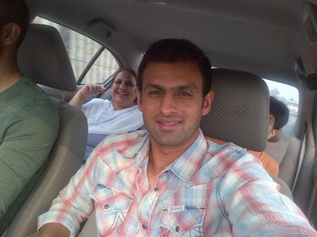 Shoiab Malik With Family On Eid Days