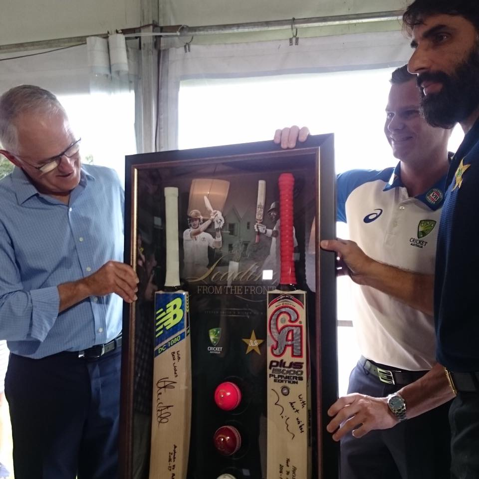 Steven Along With Misbah Presenting A Souvenir To The Australian Prime Minister